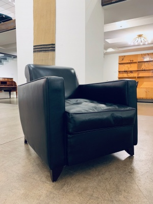Pair of Porteneuve Fauteuilles in black